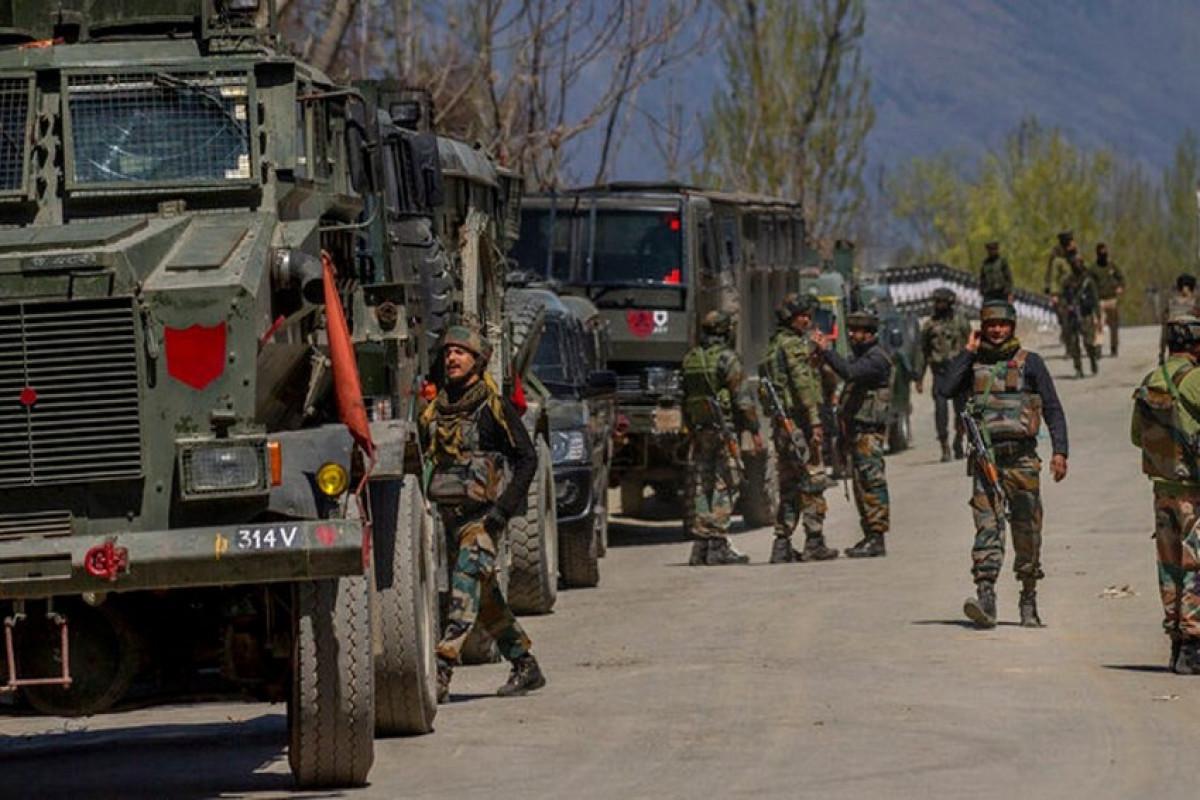 Индия за последние месяцы перебросила 50 тыс. военнослужащих на границу с Китаем