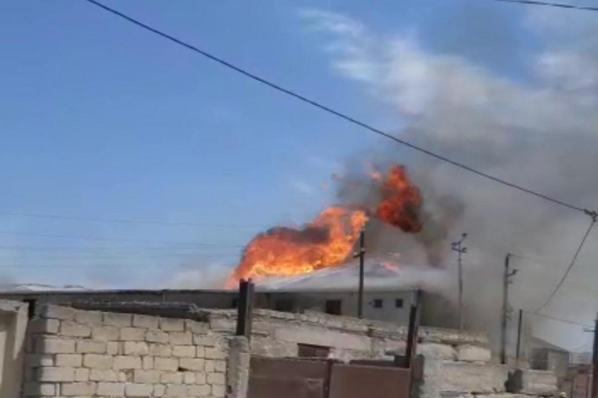 Пожар в цехе в поселке Бина потушен-ФОТО -ОБНОВЛЕНО -ВИДЕО