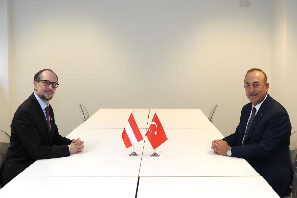 Türkiyə və Avstriya XİN başçıları görüşüb