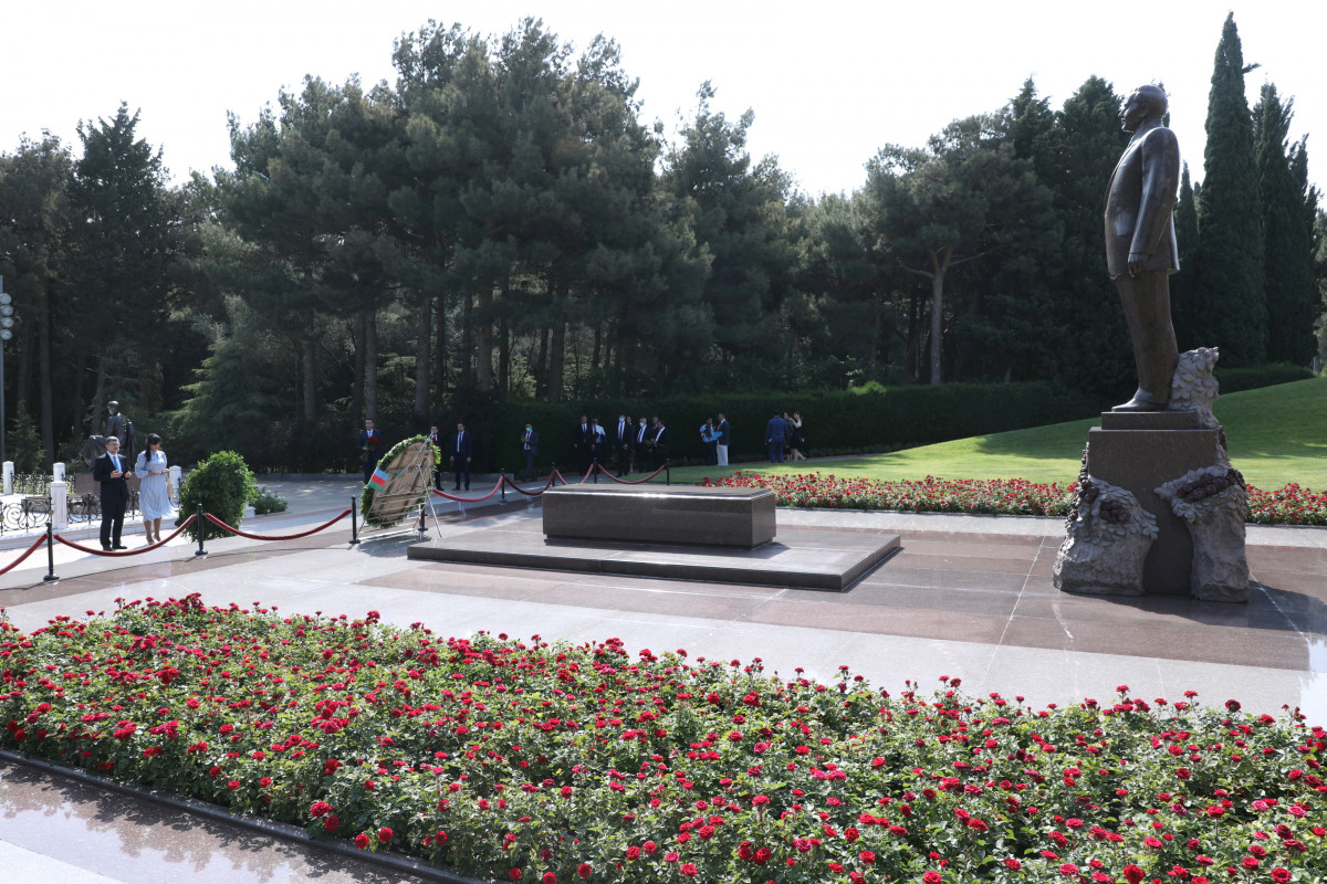 Ombudsman of Azerbaijan and Turkish delegation visit Alley of Honors, Alley of Martyrs and Baku Turkish Martyrs Memorial