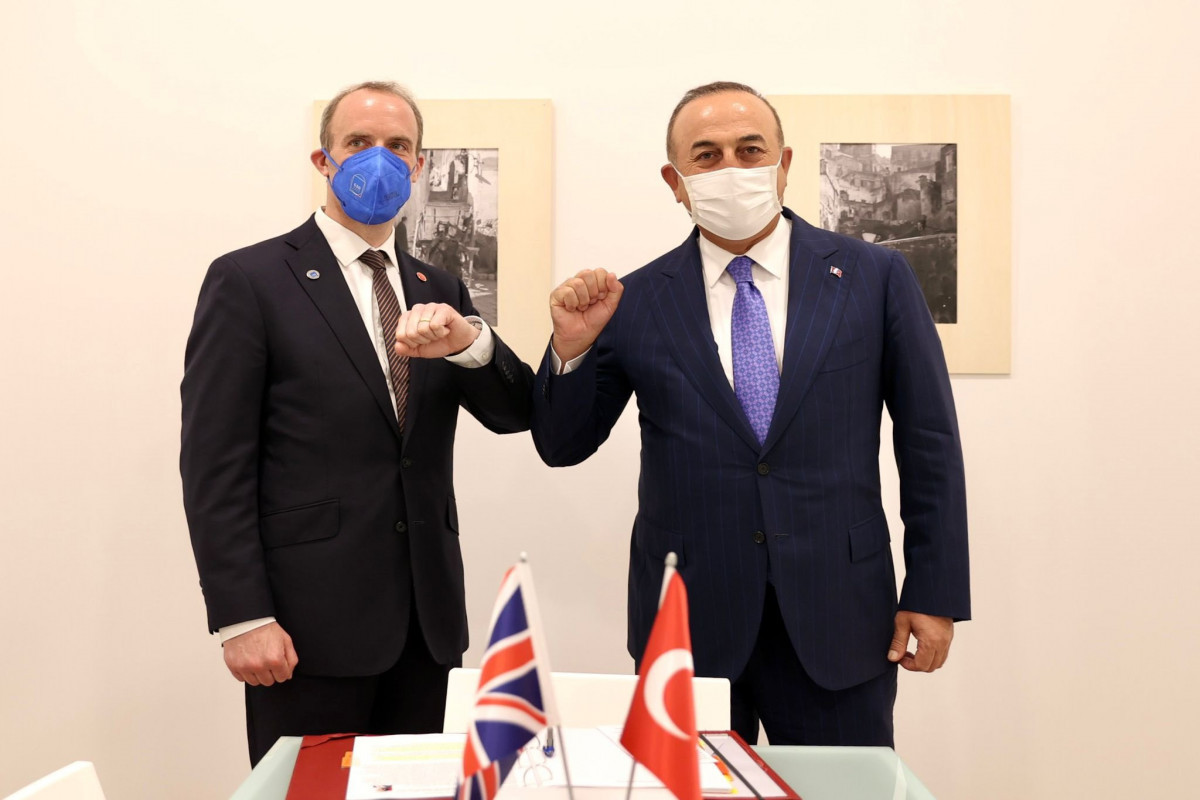 Turkish and British FMs meet