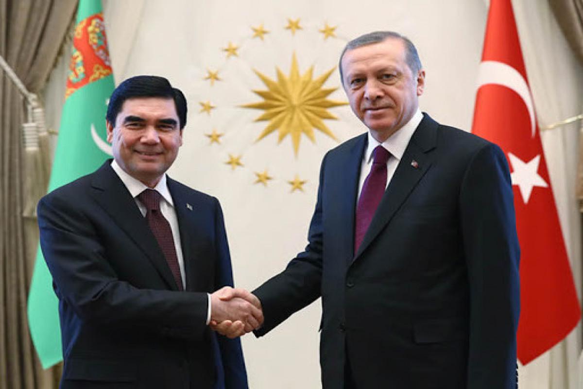 Состоялся телефонный разговор между президентами Турции и Туркменистана
