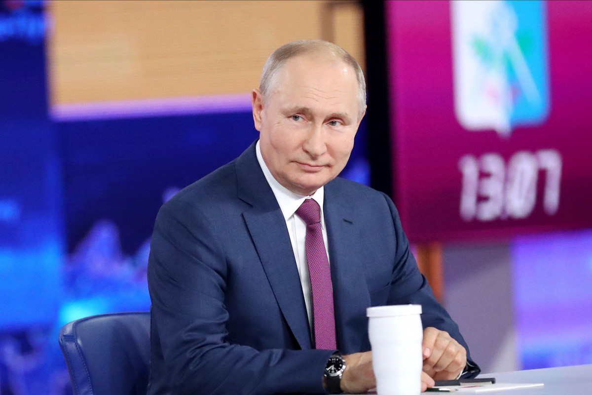 Putin prezident postunda onu kimin əvəzləyəcəyinə münasibət bildirib