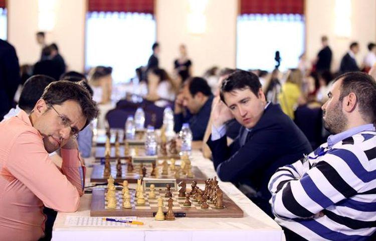 Мамедъяров обыграл Ароняна, Раджабов сыграл вничью - <span class=