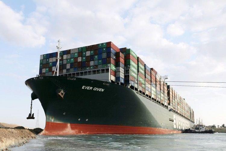 Süveyş kanalını bağlayan gəmidən yüklərin boşaldılacağı vaxt açıqlanıb