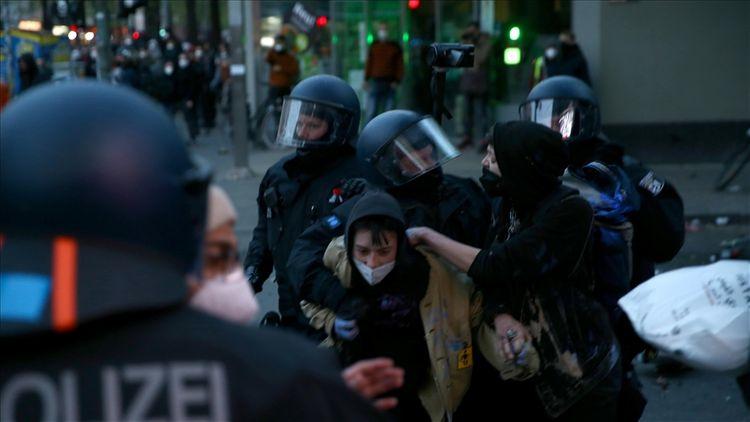 May 1 riots rock Berlin: Police arrest over 350 people