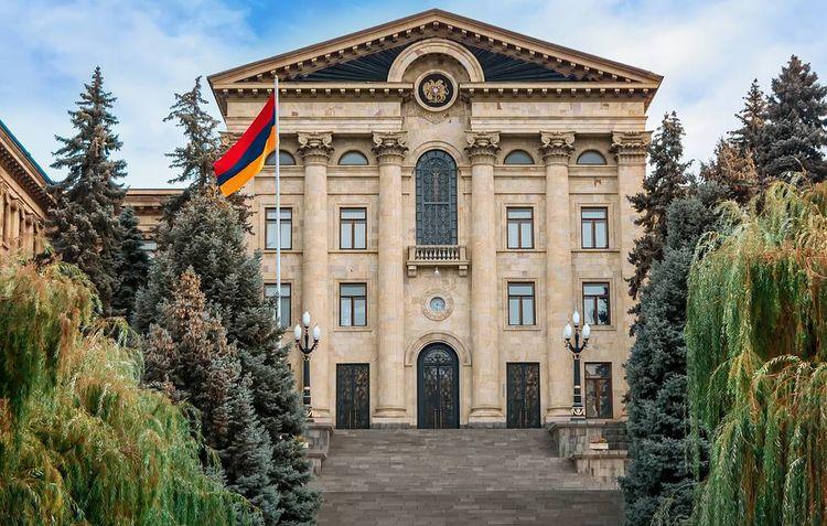 Парламент Армении не проголосовал за избрание Пашиняна новым премьером