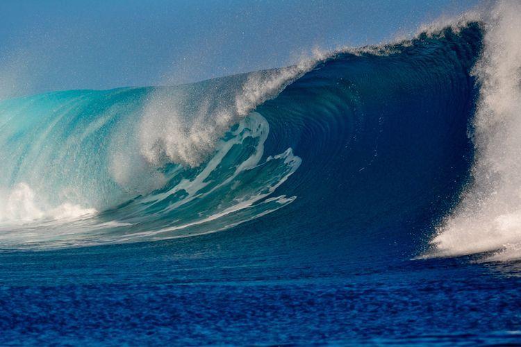 Высота волн на Каспии достигла 4,5 м – <span class=
