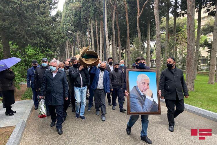 Фикрет Годжа похоронен
