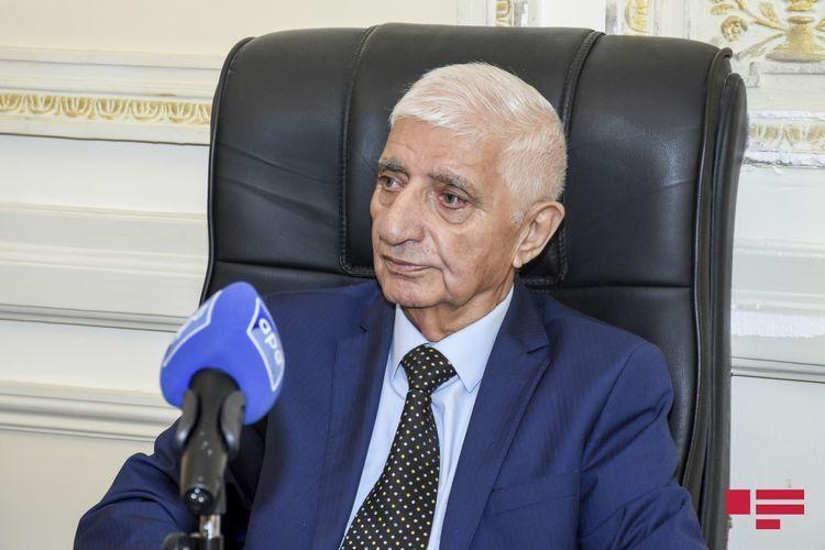 President Ilham Aliyev signs obituary on Fikrat Goja