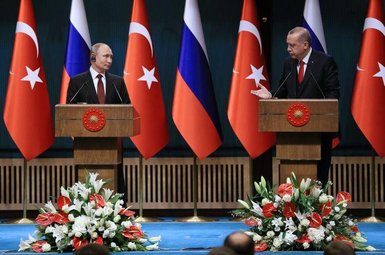Erdogan, Putin discuss delivery of Sputnik V vaccine