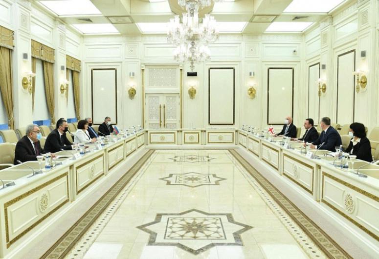 Milli Məclisin Sədri Gürcüstanın Baş naziri ilə görüşüb