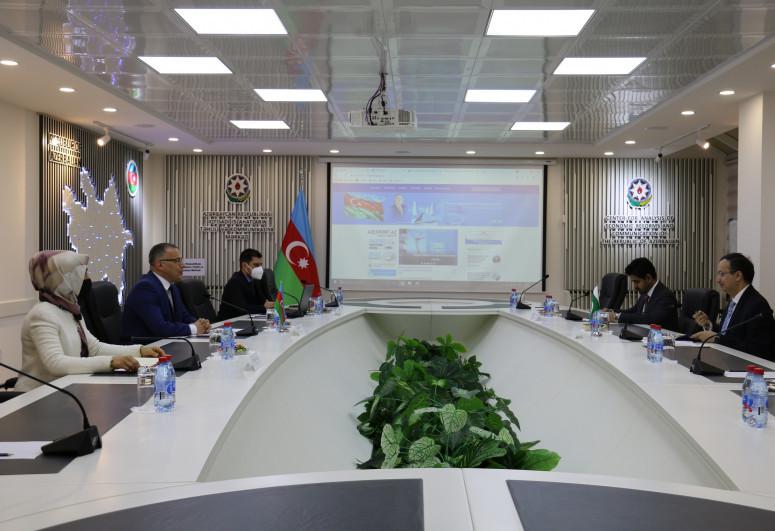 Обсуждено сотрудничество мозговых центров Азербайджана и Пакистана