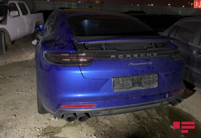 В Баку столкнулись Porsche и KIA, есть пострадавший -<span class=