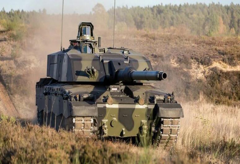 Великобритания впервые за четверть века примет на вооружение новые танки