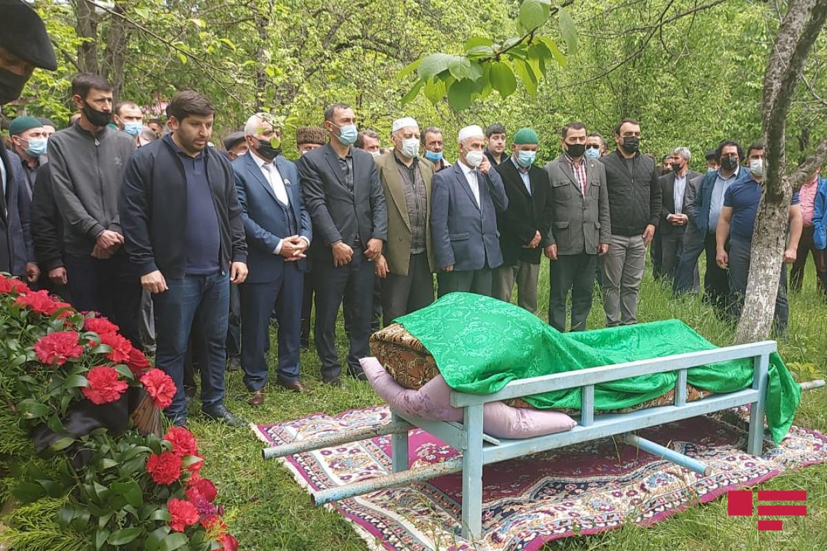 Xalq şairi Musa Yaqub dəfn olunub - <span class=