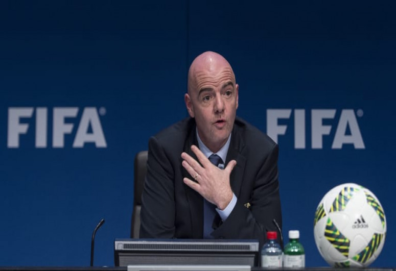 """FIFA President: """"We stand by UEFA in rejecting the Super League"""""""