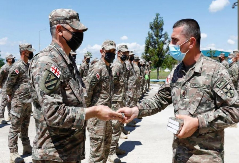 """Georgia gave Quran as a gift to Muslim soldiers-<span class=""""red_color"""">PHOTO</span>"""