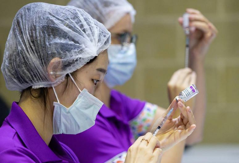 Евросоюз не будет обновлять контракт на поставки вакцины AstraZeneca после июня 2021 года