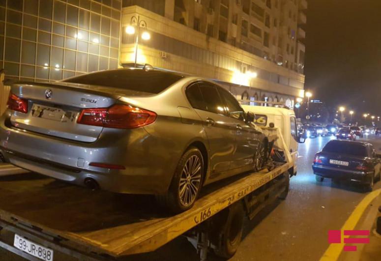 В Баку автомобиль сбил четверых пешеходов, есть погибший и раненые-<span class=
