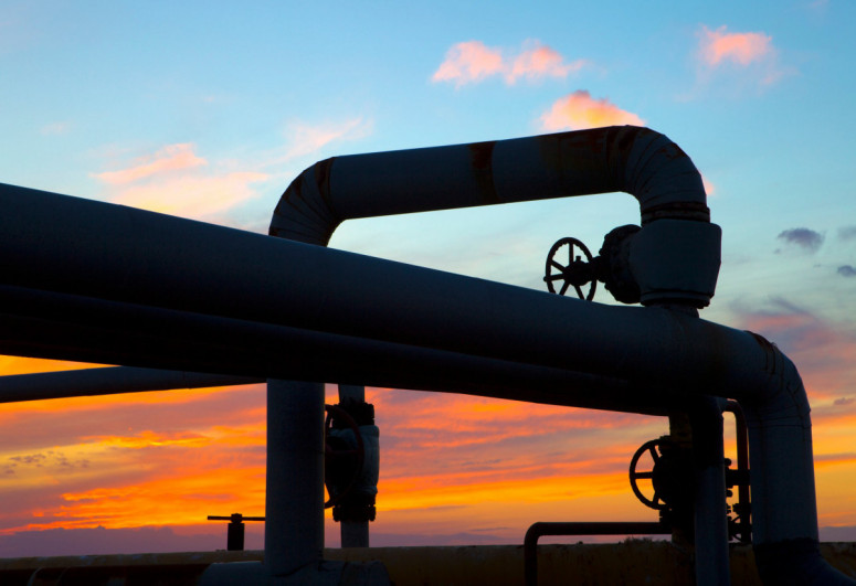 Prices of Brent oil near USD 70