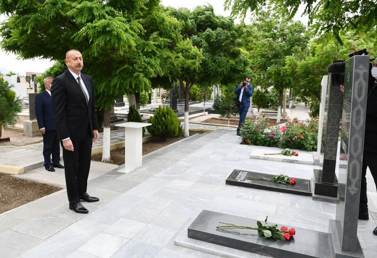 Президент Ильхам Алиев посетил могилы шехидов Отечественной войны в Нахчыване-<span class=