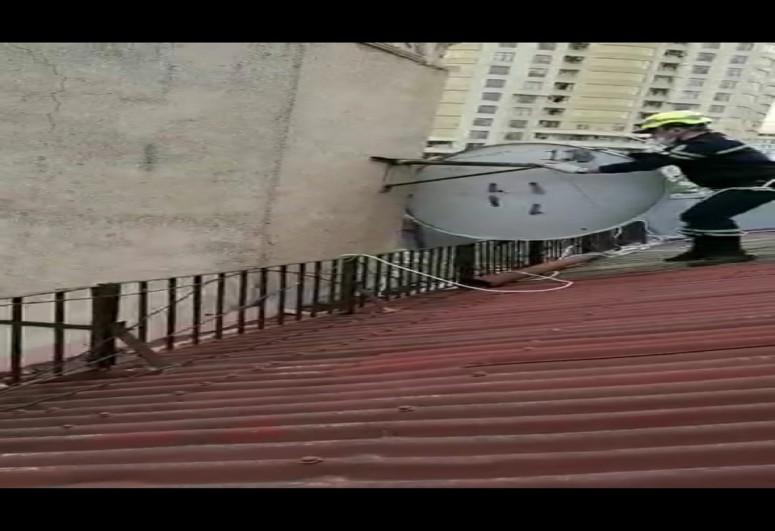 МЧС призывает население не выходить из дома во время сильного ветра