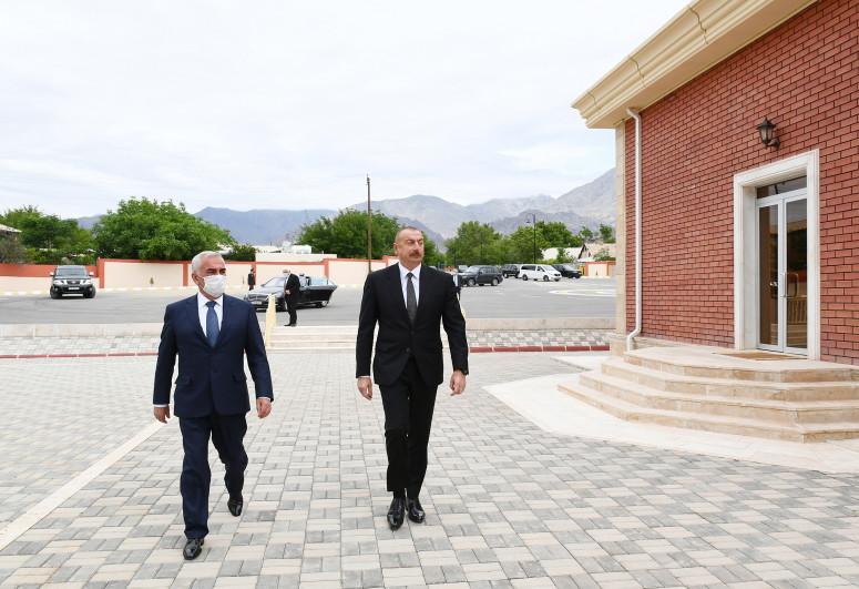 Prezident Ordubad dəmir yolu stansiyasında görülən işlərlə tanış olub - <span class=