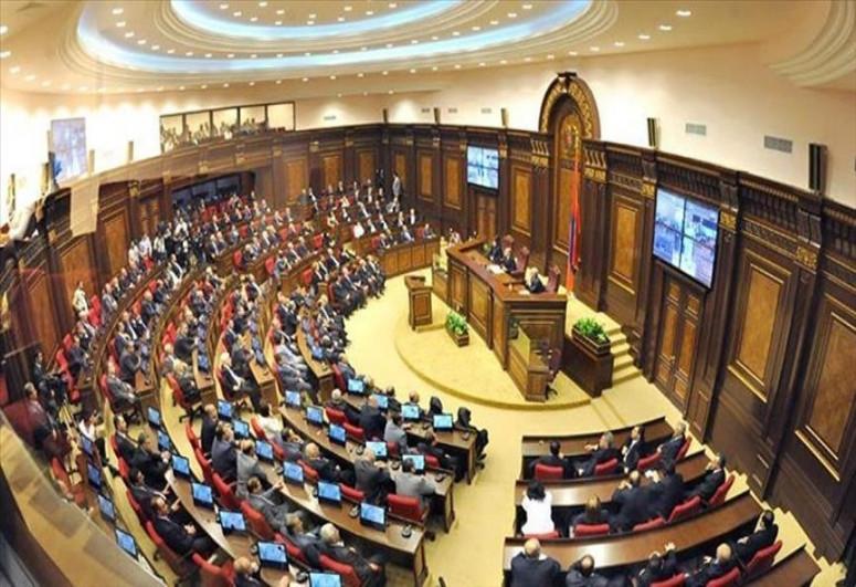 Парламент Армении во второй раз не избрал Пашиняна на пост премьера