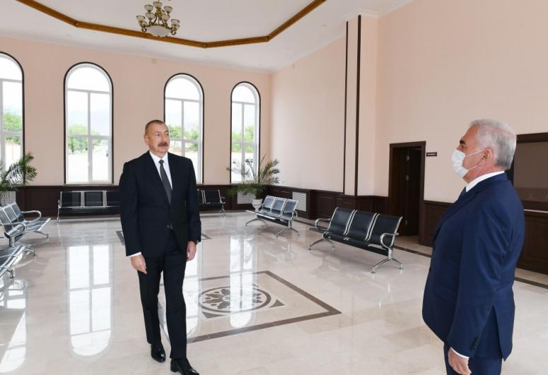 Президент ознакомился с работой, проделанной на Ордубадской  железнодорожной станции-<span class=