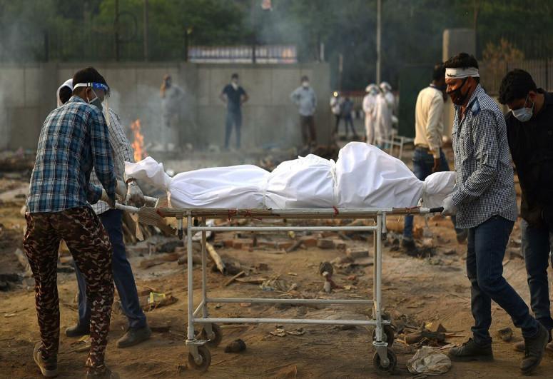 В Ганге обнаружили десятки тел жертв COVID-19