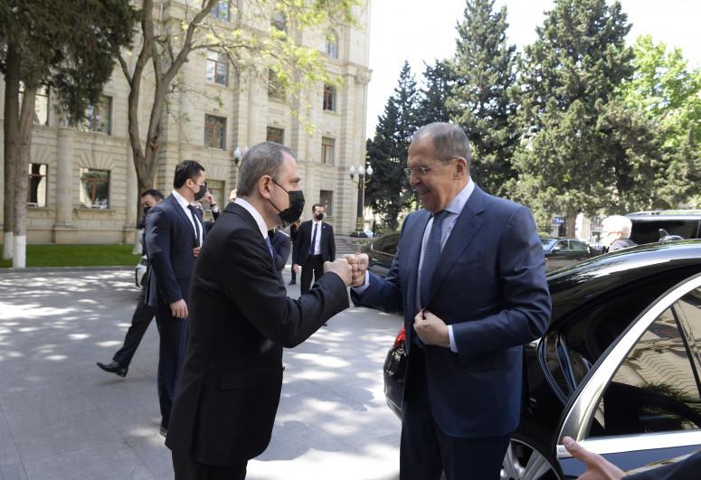"""Ceyhun Bayramov Lavrovla görüşüb - <span class=""""red_color"""">YENİLƏNİB-1</span>"""