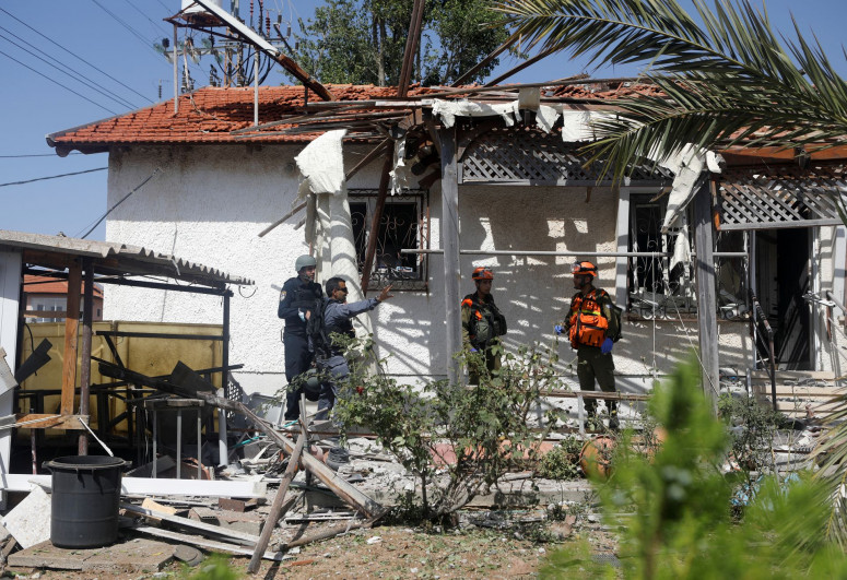 """One confirmed dead, three injured as Hamas fires rockets towards Tel Aviv-<span class=""""red_color"""">UPDATED</span>"""