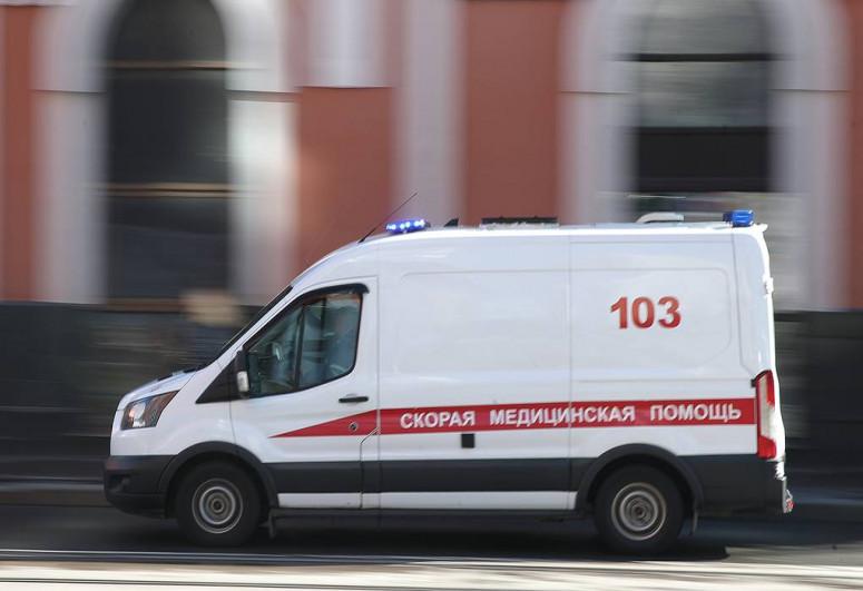 Rusiyada avtomobil dayanacağa çırpılıb, 2-si azyaşlı olmaqla 6 nəfər xəsarət alıb