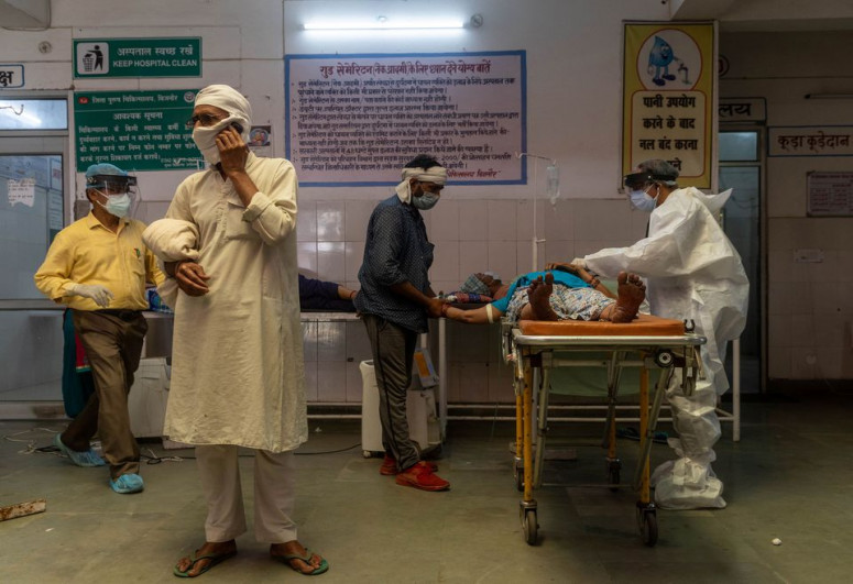 India's daily COVID-19 deaths rise by record 4,205