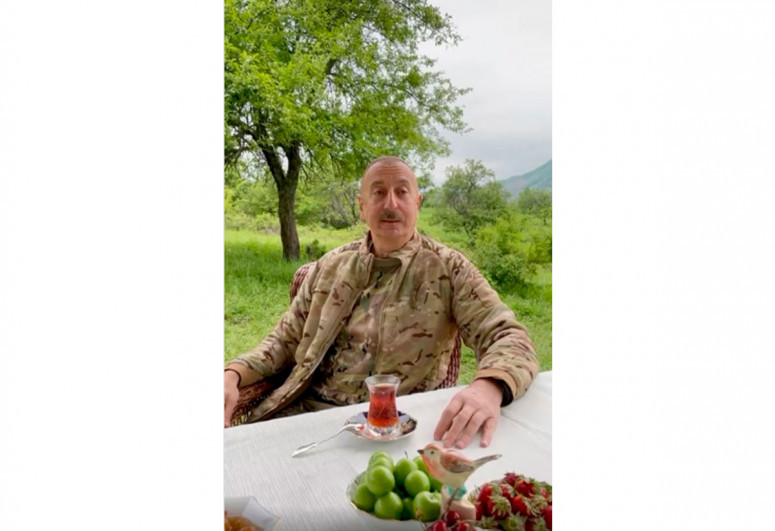 "Президент Ильхам Алиев едет в Шушу-<span class=""red_color"">ВИДЕО</span>"
