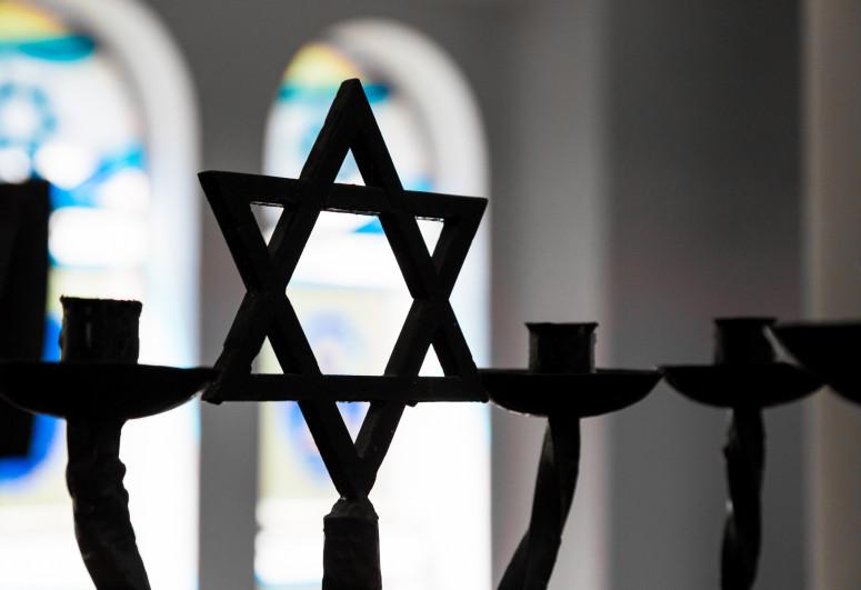Almaniyada sinaqoqa hücum olub