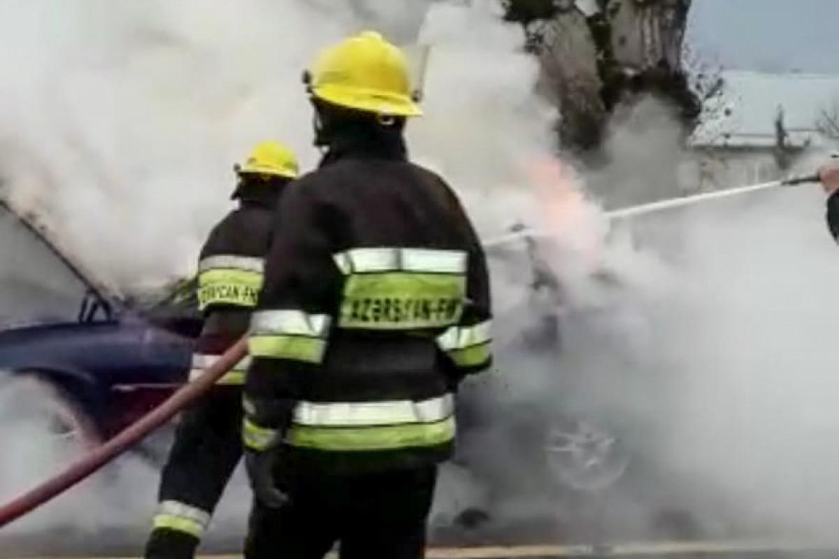 Şəmkirdə minik avtomobili yanıb