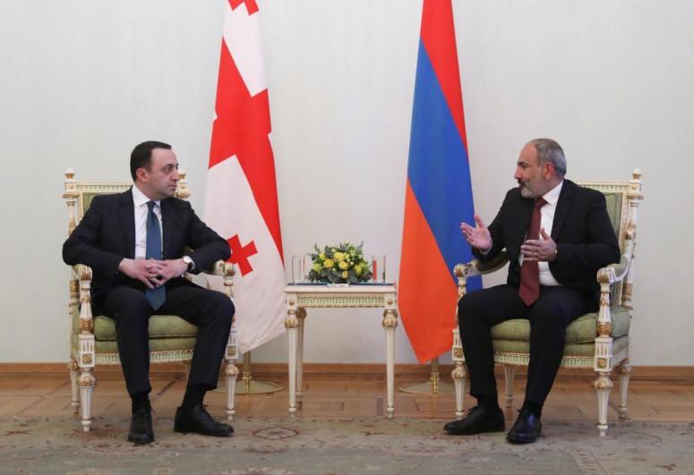 Georgian PM meets with Pashinyan in Armenia