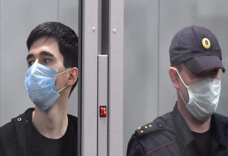 Совершивший вооруженное нападение на школу в Казани признал свою вину