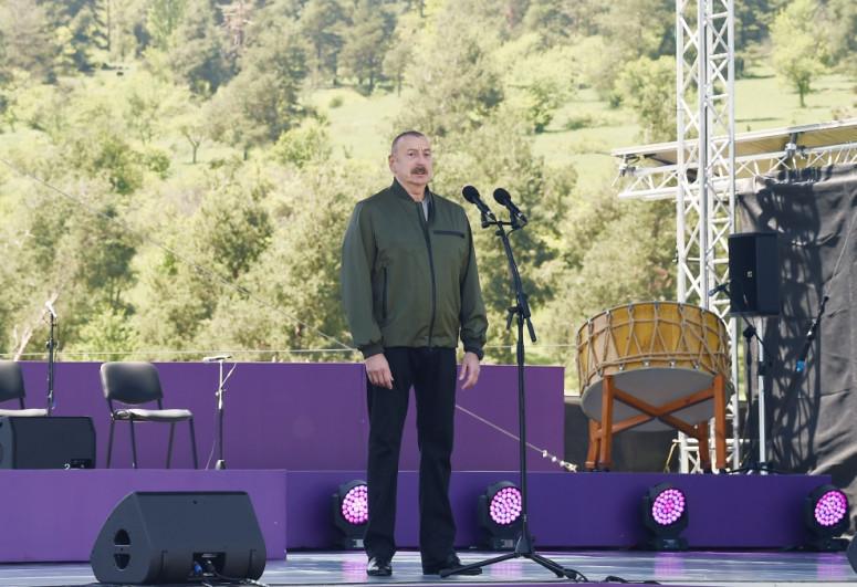 Ильхам Алиев: На Джыдыр дюзю мы отмечаем музыкальный праздник, праздник единства, праздник возвращения, праздник достоинства
