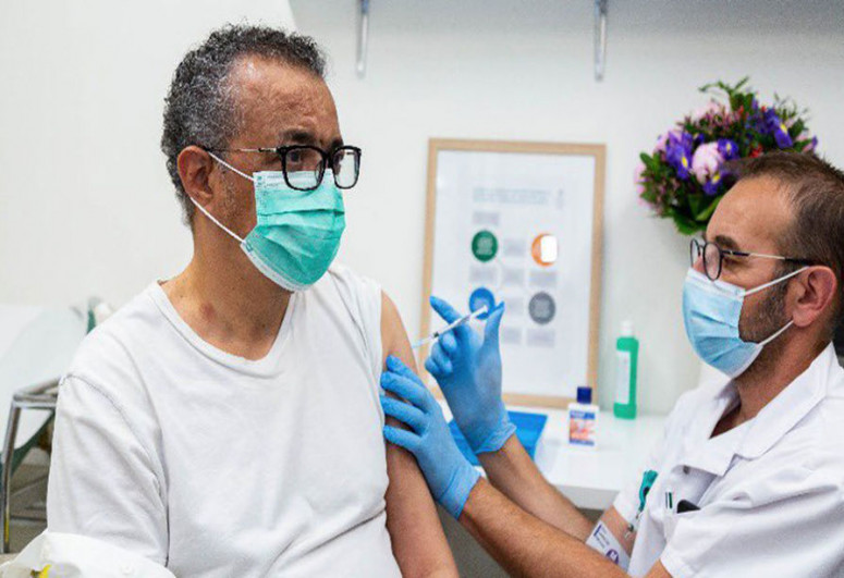 "Глава ВОЗ сделал прививку от коронавируса-<span class=""red_color"">ФОТО</span>"