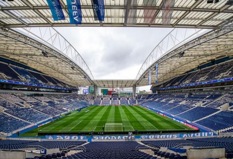 UEFA Çempionlar Liqasının finalını İstanbuldan alıb, Portoya verib