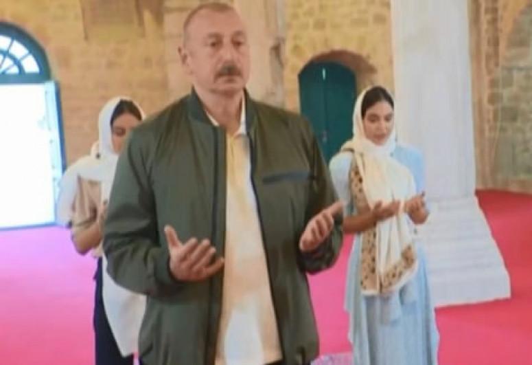 Prezident İlham Əliyev Şuşada Yuxarı Gövhərağa məscidində olub - <span class=