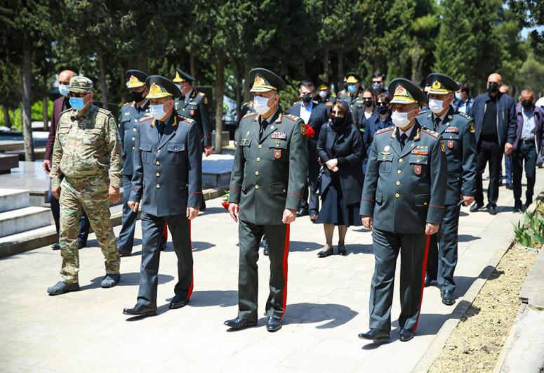 General-polkovnik Tofiq Ağahüseynov dəfn edilib - <span class=