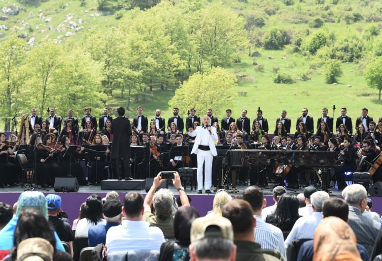 """Şuşada keçirilən """"Xarıbülbül"""" musiqi festivalı başa çatıb - <span class="""