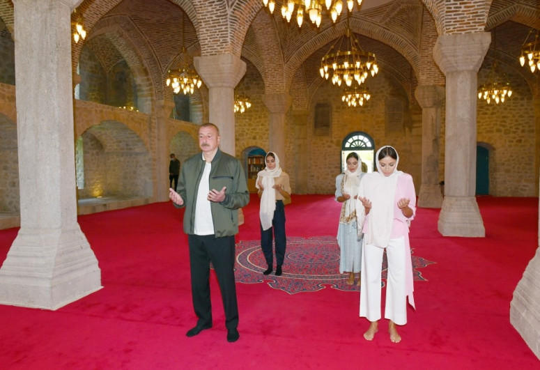 """President Ilham Aliyev visited Yukhari Govharagha mosque in Shusha-<span class=""""red_color"""">VIDEO</span>-<span class=""""red_color"""">UPDATED</span>"""