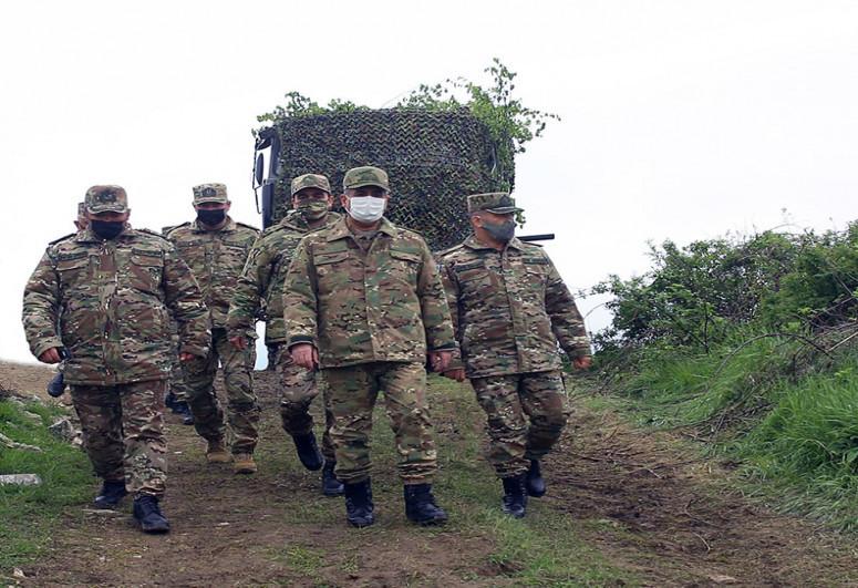 """Министр обороны посетил подразделения войск ПВО, дислоцированные на освобожденных территориях-<span class=""""red_color"""">ФОТО</span>"""