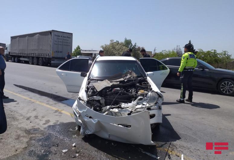 "Четыре человека пострадали в ДТП на дороге Гаджигабул-Сабирабад-<span class=""red_color"">ФОТО</span>"