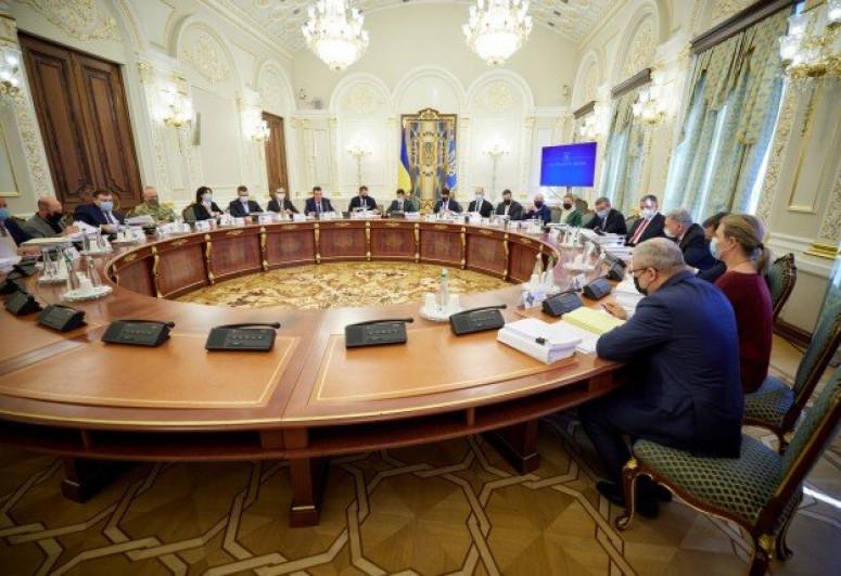 Ukraine imposes sanctions against 557 kingpins, 111 foreigners